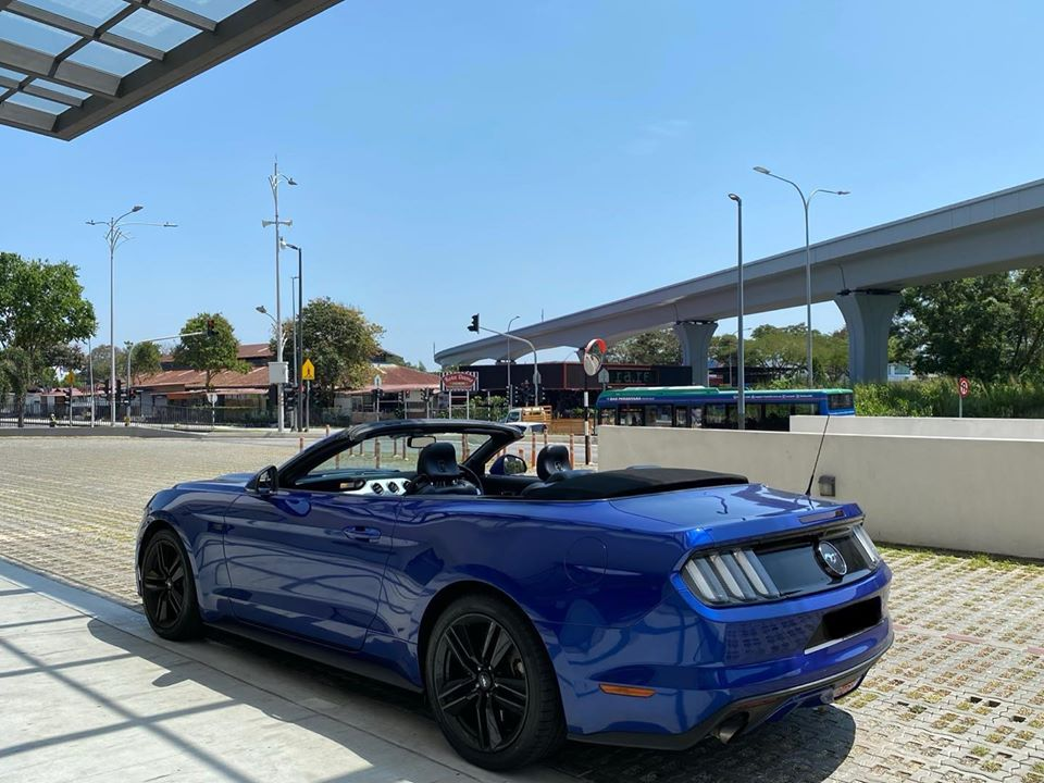 mustang convertible for rent